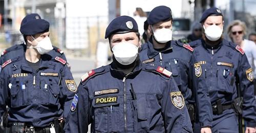 Spuckattacken auf Polizei